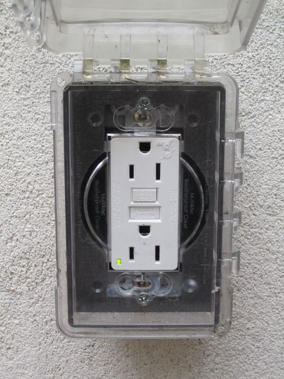 Replacing your receptacles | Lauterborn Electric